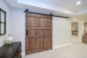"""Originální dřevěné posuvné dveře. Fotografie: <a href=""""sebringservices.com"""">zdroj</a>"""